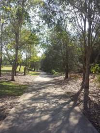 Oxley Creek Common path